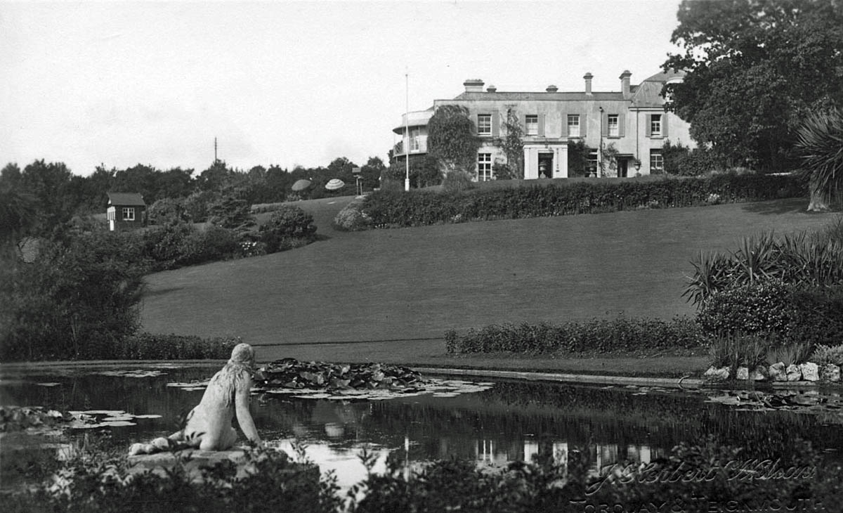 Cliffden House, lily pond and grounds